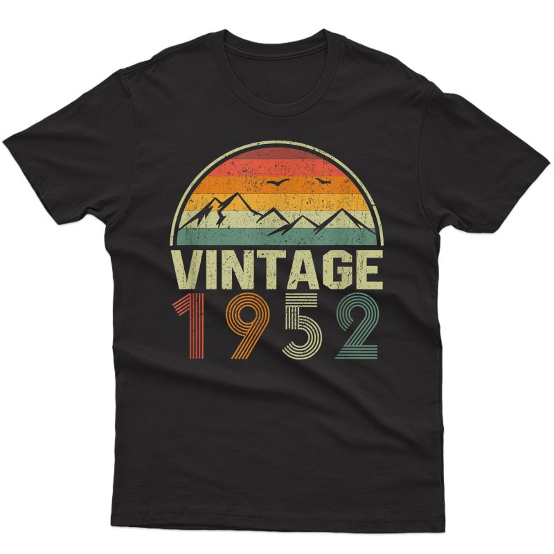 Classic 69th Birthday Gift Idea Vintage 1952 T-shirt